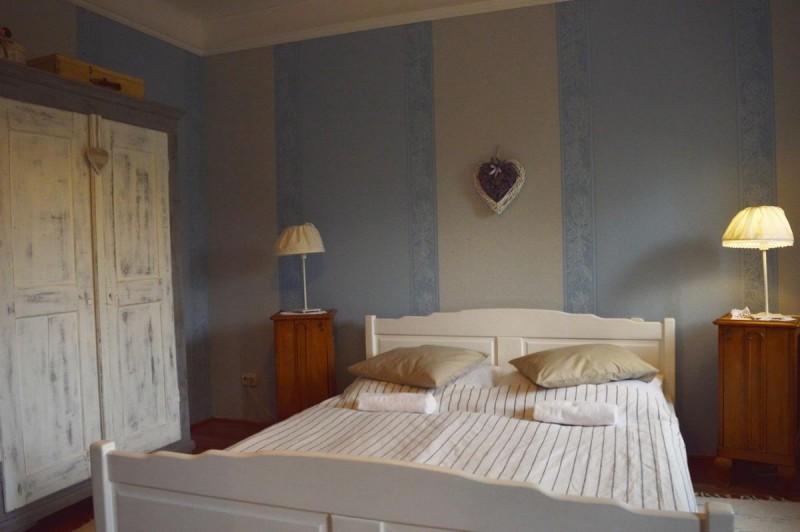 pollushof-panzio-szobak-070